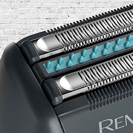 remington sensitive electric foil shaver with an aloe vera bar sf4880