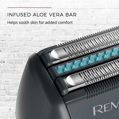 remington sensitive electric foil shaver with aloe vera strip sf4880