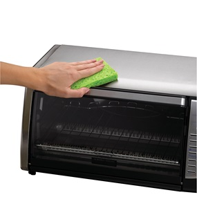 Toaster oven with convection heating