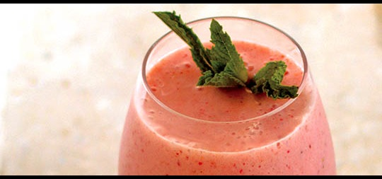 Pineapple Banana Strawberry Smoothie