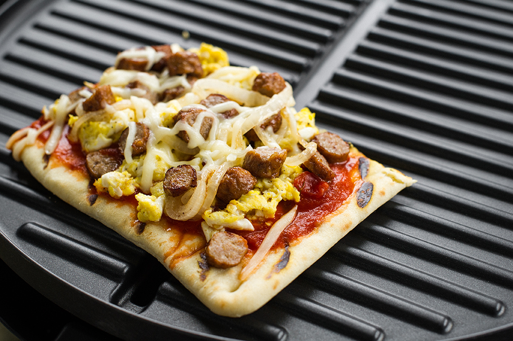 George Foreman grilled flatbread breakfast pizza duo recipe indoor outdoor grill