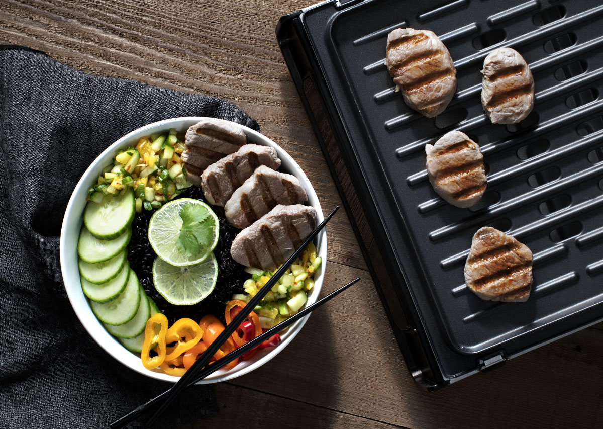 grill with pork medallions and final plate served