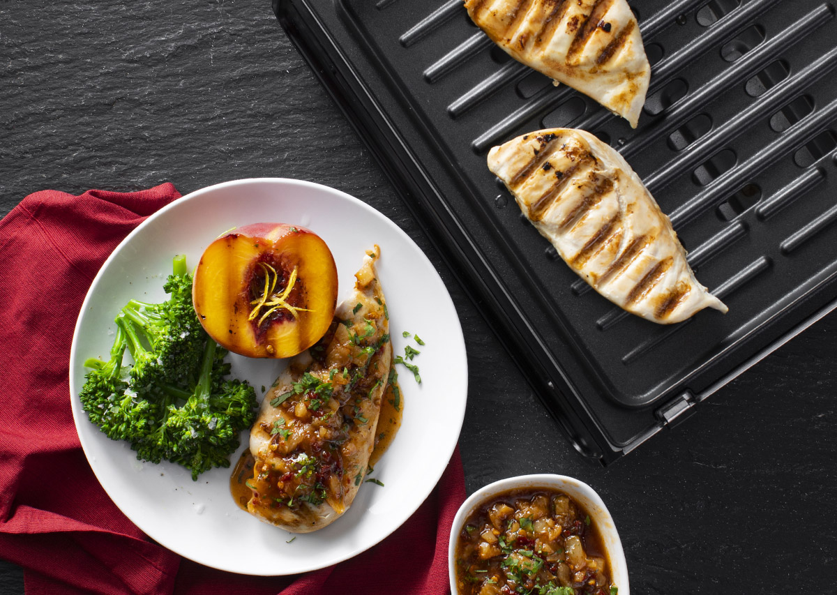 Grilled Chicken with Chipotle Peach Sauce and Grill