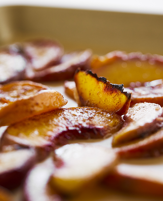 Cinnamon Cottage Cheese and Peach Toast Russell Hobbs Recipe