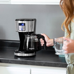 12-Cup Programmable Coffeemaker with adjustable 'Keep Warm' timer, Stainless Steel - CM1331S