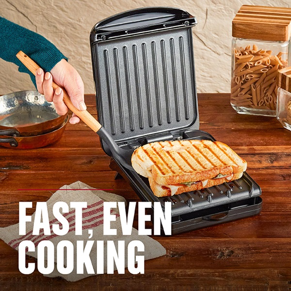 2-Serving Classic Plate Electric Indoor Grill and Panini Press, Black, GRS040B - Fast, Even Cooking