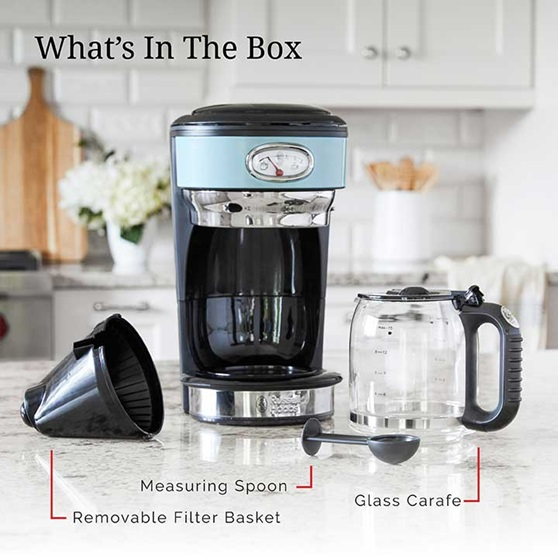 Whats in the Box - measuring spoon, removable filter basket and glass carafe